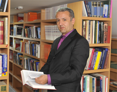 Prof. dr Milan Radosavljević